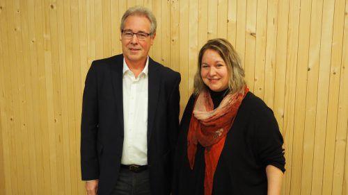 Bürgermeister Helmut Lampert und Architektin Sonja Entner beim Festakt. Christof Egle