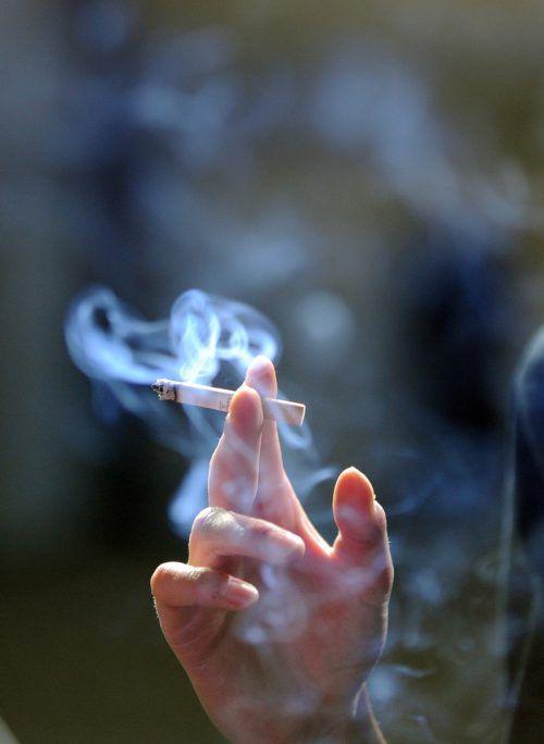 Das ab Mai 2018 vorgesehene Rauchverbot in der Gastronomie wurde von Schwarz-Blau gekippt. Ärztekammer und Krebshilfe wehren sich dagegen.APA