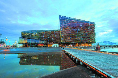 Das am Wasser gelegene Konzerthaus gilt als neues Wahrzeichen Reykjaviks.shutterstock