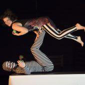 Humorvoll, spielerisch und mit akrobatischer Leichtigkeit