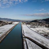 Pumpen und mehr Platz für Rhein als Waffen gegen drohendes Hochwasser. A9