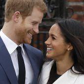 Harry und Meghan fahren mit der Kutsche durch Windsor