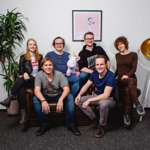 """Die """"Böhler Brothers"""" sind ein junges Team von Entwicklern, die im """"Silicon Ländle"""", dem Vorarlberger """"Silicon Valley"""", Softwareprodukte entwickeln. Broell Fotografie"""