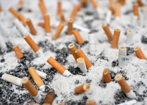 Die Befürworter eines Rauchverbots wollen nicht lockerlassen.apa