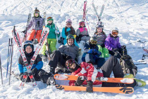 Die Jugendlichen hatten bei der Skiwoche der Offenen Jugendarbeiten und des Between Bregenz am Sonnenkopf sichtlich Spaß. OJA