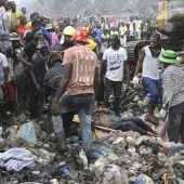 Müll-Lawine reißt 17 Menschen in den Tod