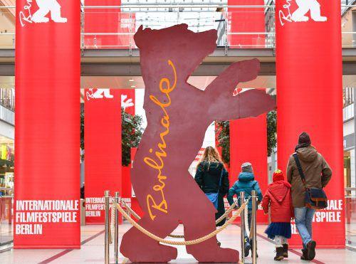 Die Organisation der Berliner Filmfestspiele geht ins Finale. Der Berlinale-Bär steht bereits in den Arkaden am Potsdamer Platz. apa