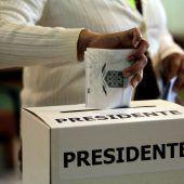 Costa Ricaner wählen ihren Präsidenten