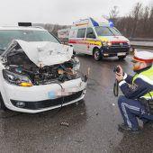 Beifahrerin bei Unfall verletzt