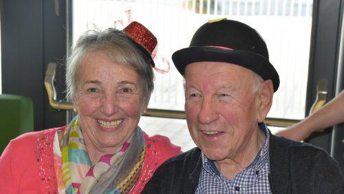 Ehrenobmann Walter Amann und Gattin Helga hatten sich dem närrischen Anlass entsprechend fein gemacht. Birgit Loacker