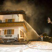 Nachbarn retten 89-Jährige bei Dachstuhlbrand