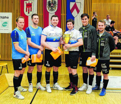 Florian Fischer/Simon König (l.), Patrick Schnetzer/Markus Bröll und Stefan Feurstein/Kevin Bachmann (r.) sicherten sich die Startplätze im Radball-Weltcup.VErein