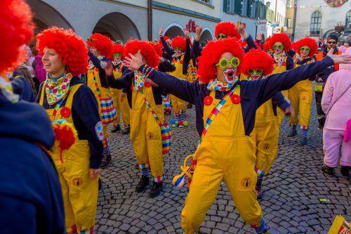 Jubiläum mit 25 Jahre Guggamusik Spältaschränzer Feldkirch und 50 Jahre Spältabürger Feldkirch. Rund 4.000 Narren mit fantastischen Kostümen aus dem In- und Ausland. Faching Feldkirch Umzug