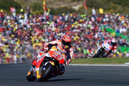 Marc Marquez bleibt weitere zwei Jahre beim japanische Werksteam Honda.AFP