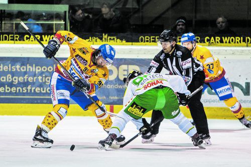 Mit einem Tor und zwei Vorlagen war Eetu-Ville Arkiomaa (r.) einer der Matchwinner für den EHC Lustenau beim Sieg gegen Asiago. sams