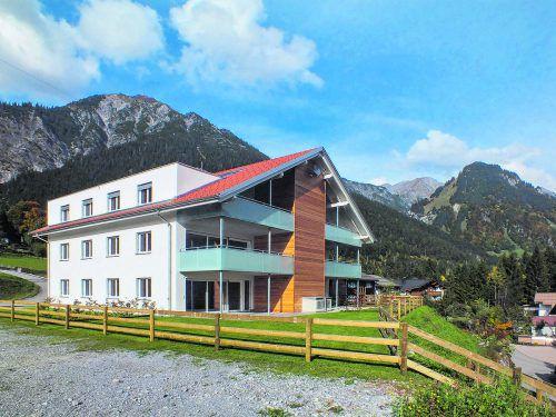 Noch ist eine schöne Dachgeschoß-Wohnung mit herrlicher Aussicht frei.foto: Grabher
