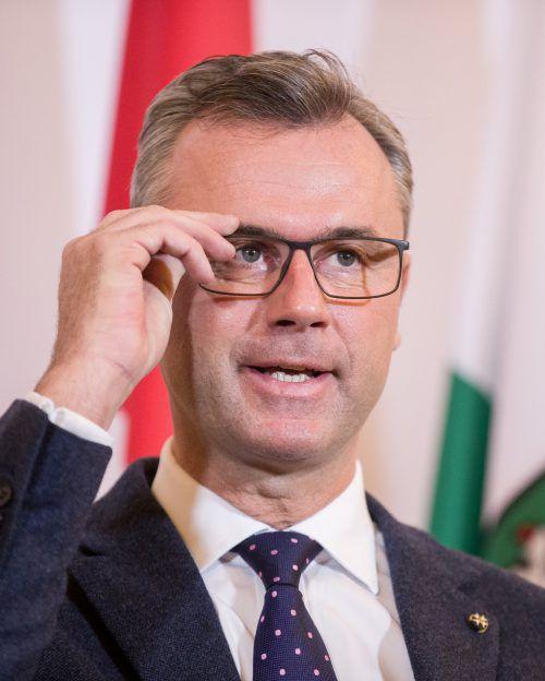 Norbert Hofer achtet darauf, den ÖBB-Aufsichtsrat mit Vertrauten zu besetzen.APA