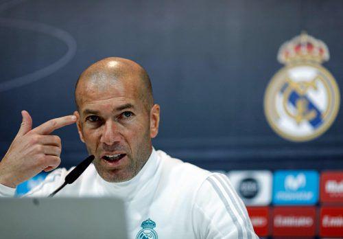 Real-Trainer Zinédine Zidane (Bild) und seinen Trainerkollegen von PSG, Unai Emery, geht es im direkten Duell möglicherweise auch um den Trainerjob.afp
