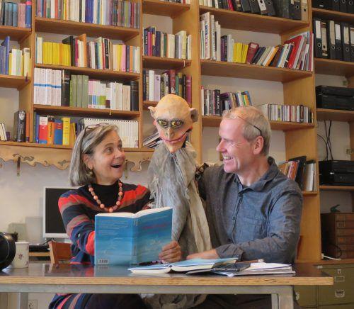 Renate Burtscher und Christoph Bochdansky laden zu einer szenischen Lesung ein. tas