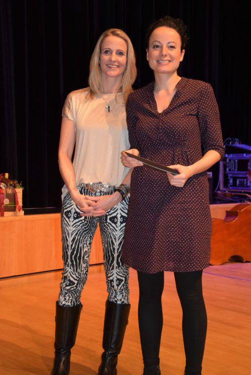 Unter den Besuchern: Ivonne Amann (l.) und Birgit Kröll.
