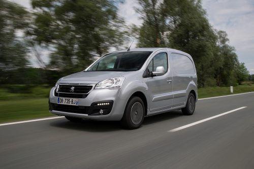 Wendiger und agiler Transporter mit City- und genauso Überland-tauglichen Dimensionen: der Peugeot Partner als Kastenwagen.