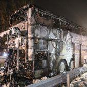 Flammen im Bus