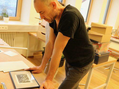 Zwei Monate lang war die Paedakoop in Schlins das Atelier des heimischen Künstlers Ferdinand Ruef. paedakopp