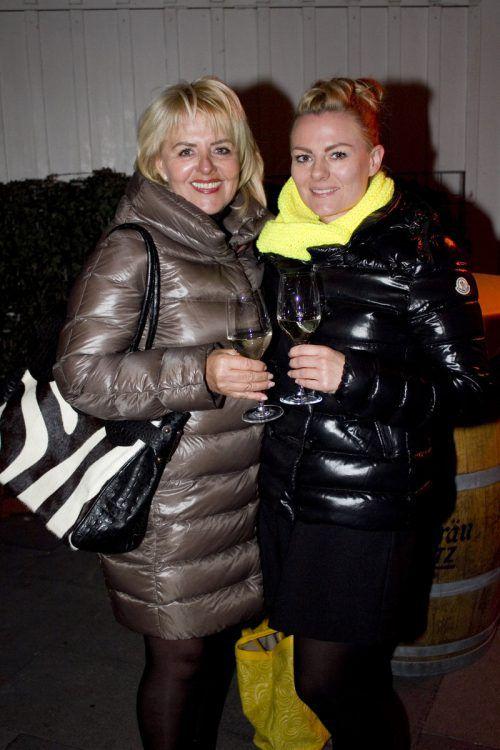 Angie Jahn (l.) und Janine Dolischka (Flying Scissor) feierten mit.