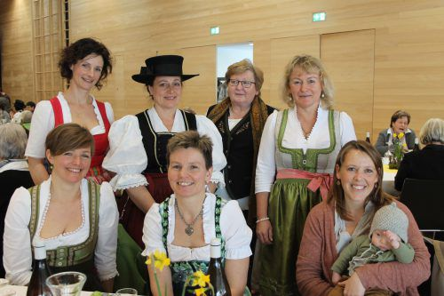 Auch interessierte Bäuerinnen aus dem Leiblachtal waren bei der Festveranstaltung im Bucher Gemeindesaal mit dabei.