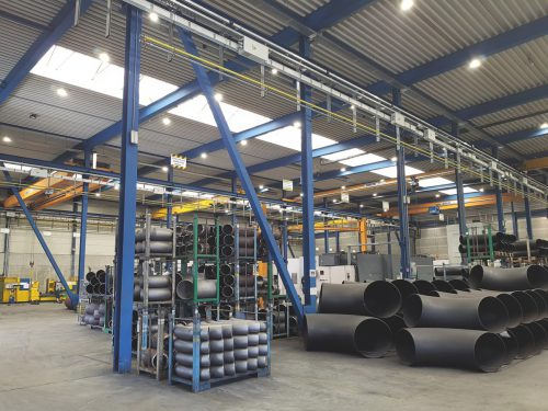 Bei Erne Fittings wird Energie gespart trotz tagheller Ausleuchtung.Firma
