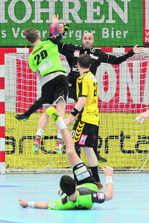 """Bregenz-Goalie Goran Aleksic erwies sich als """"Turm in der Schlacht"""" und trug maßgeblich zum 27:25-Heimsieg gegen West Wien bei.VN/Stiplovsek"""