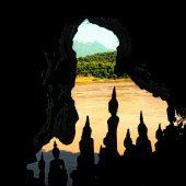 Buddha Statuen in den Pak Ou Höhlen
