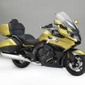motorradneuheitenLeichtere Gold Wing / Oldschool-Bobber in Schwarz / Luxustourer von BMW im XXL-Format / Vespa wird elektrisch