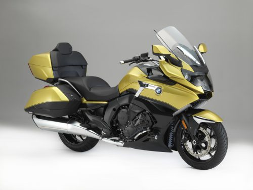 Der Luxustourer BMW K 1600 Grand America zeichnet sich durch das von US-amerikanischen Custom Bikes inspirierte Design aus. 160 PS bei 7750 U/min.