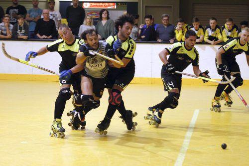 Der Rollhockeyclub Dornbirn will sich in den kommenden Heimspielen gegen die Schweizer Konkurrenz behaupten. RHC