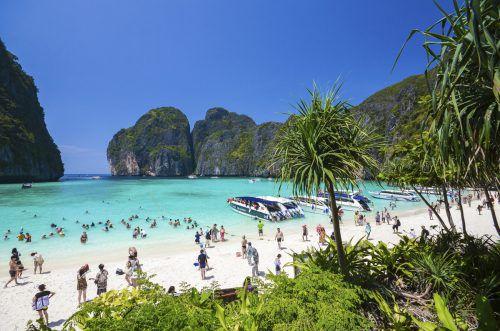 Der Strand wird täglich von etwa 200 Booten und 4000 Touristen besucht. AP
