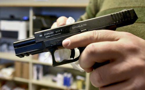 Der tödliche Schuss fiel angeblich beim Hantieren mit einer Faustfeuerwaffe. apa