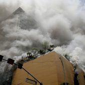 Touristenhotel in Manila in Flammen