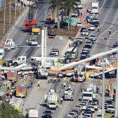 Sechs Tote bei Brückeneinsturz