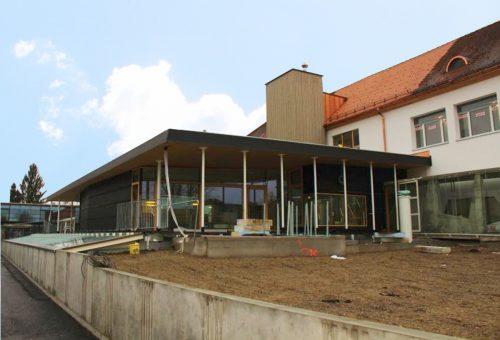 Die neuen Räumlichkeiten, beispielsweise die Turnhalle oder Bibliothek.