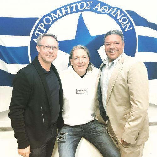 Die Trainer Damir Canadi (l.) und Eric Orie (r.) mit ihrem Manager Mario Weger.
