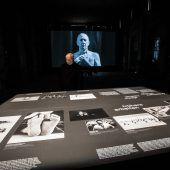 Shirin Neshat im Kunstraum. D5