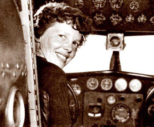 Flugpionieren Amelia Earhart verschwand 1937 beim Versuch, als erster Mensch die Erde am Äquator zu umrunden. Afp
