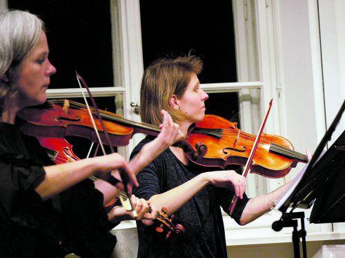"""Für das Konzert """"Oh glücklicher Tag"""" kamen Musiker aus Deutschland, Norwegen, Ungarn und der Schweiz im Pförtnerhaus zusammen. Verena Kogelnik"""
