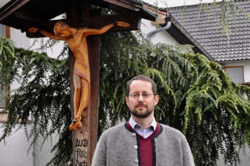 """Für Theologe Dietmar Steinmair haben die Kar- und Ostertage sowie derWunsch """"Frohe Ostern"""" eine ganz besondere Bedeutung.cm"""