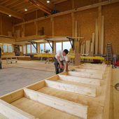 Gute Konjunktur sorgt für Auslastung: Zimmerer klopfen auf Holz