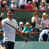 Federer mit Zittersieg zum Rekordstart