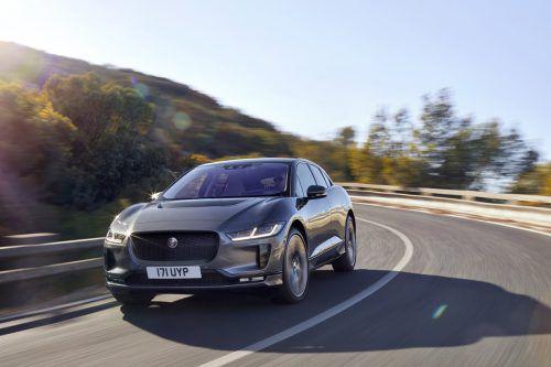 Jaguar setzt ein schickes SUV unter Strom. Der I-Pace kommt Ende Sommer auf den Markt. Er soll 400 PS stark sein und knapp 500 Kilometer weit kommen.