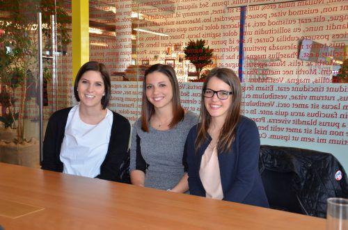 Lena, Sabrina und Melanie würden sich über Unterstützung ihrer Freiwilligenarbeit in Afrika freuen. hrj