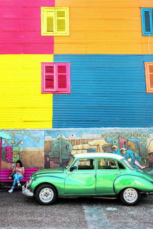 Leuchtende Farben, viele Künstler und ausgefallene Fassaden prägen den beliebten Stadtteil La Boca in Buenos Aires. Beate Rhomberg (4)